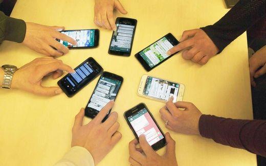 """""""Tieners zijn veelal niet allereerst verslaafd aan social media, maar aan elkaar."""" beeld RD, Henk Visscher"""