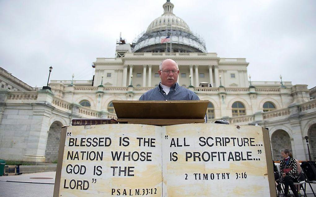 Bijbelvoorleesmarathon.   beeld EPA, Shawn Thew