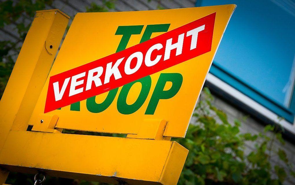 Het gros van de mensen verkiest een koophuis boven een huurhuis en een eigen auto boven een leenauto. beeld ANP, Lex van Lieshout