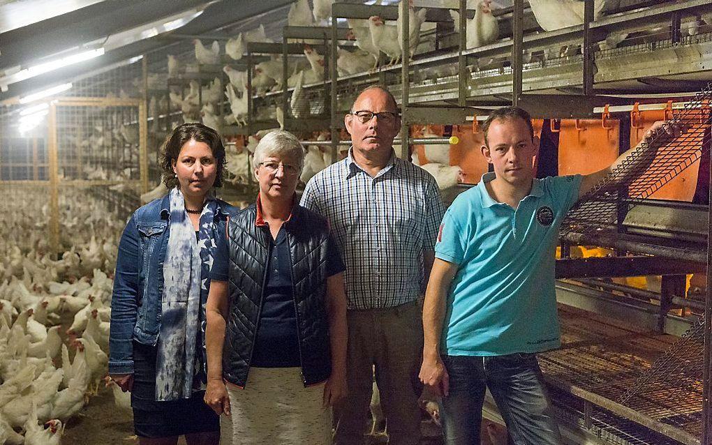 Pluimveehoudersfamilie Van Roekel: (vlnr) Gea, Joke, Brand en Gijsbert. beeld André Dorst