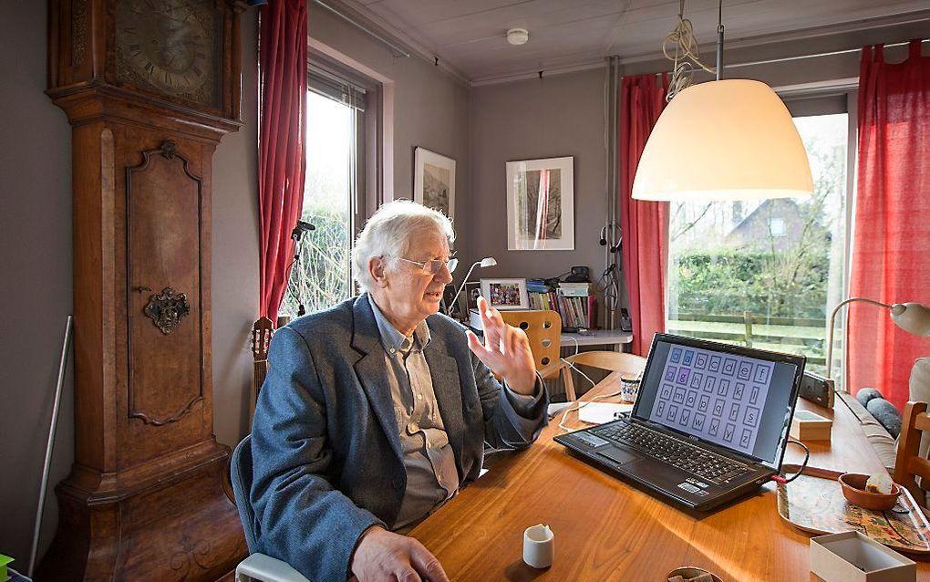 """Balt van Raamsdonk verdiepte zich na de verkoop van zijn bedrijf in zijn eigen leesprobleem. Nu is hij voorzitter van de Stichting Platform Dyslexie Nederland. """"Mijn methode past niet binnen de huidige visie op lezen en dyslexie, maar moedige leerkrachten"""