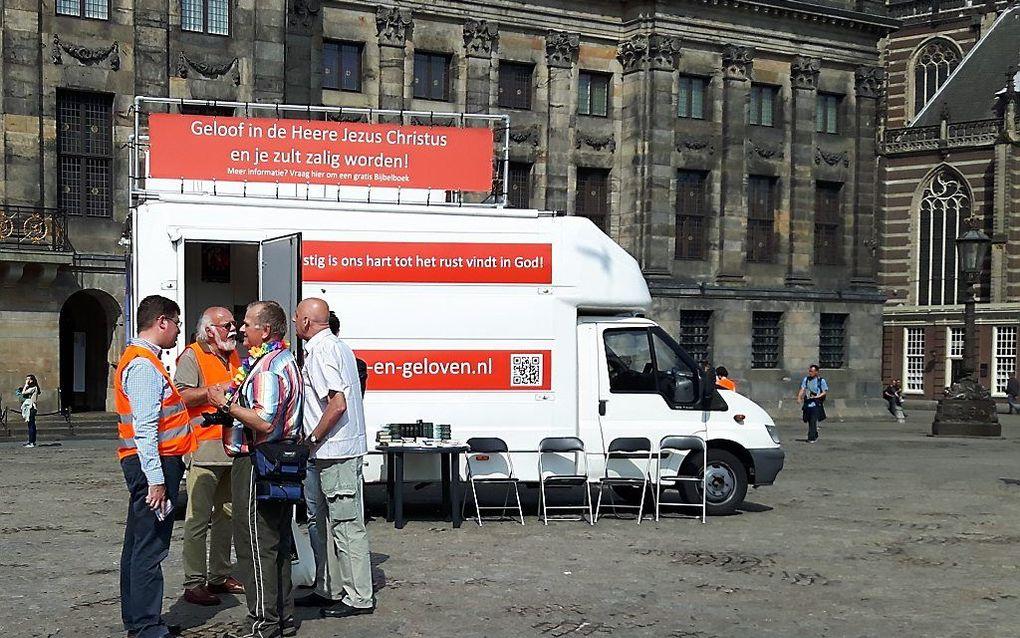 Evangelisatie op de Dam in Amsterdam. beeld Marja Liefting