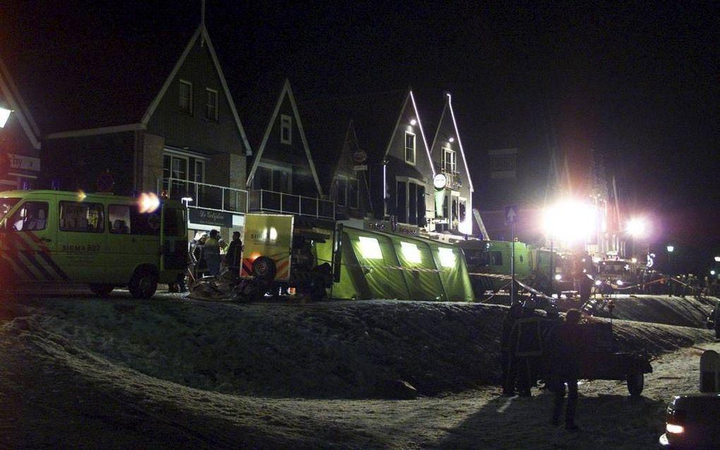 Volendam,  kort na de ramp tijdens de jaarwisseling 2000/2001. beeld ANP