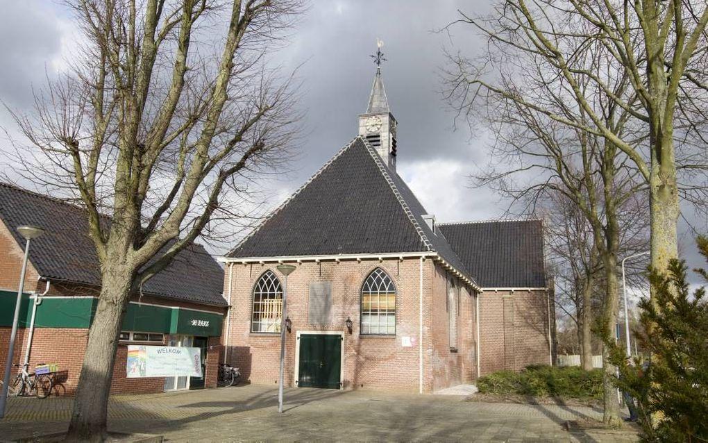 De kerk met links De Rank. beeld RD, Anton Dommerholt