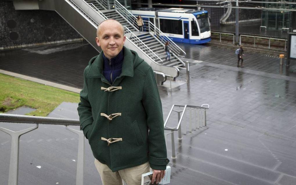 """Emiel Hakkenes, auteur van het boek """"God van de gewone mensen"""". Beeld RD, Anton Dommerholt"""