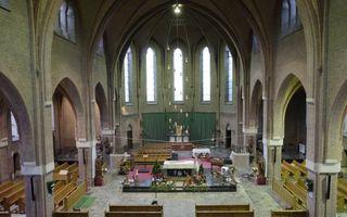 De Petrus en Pauluskerk in Dinteloord is een van de vele kerken die tussen nu en 2025 moet gaan sluiten. Deze kerk gaat in november dicht. Beeld Sjaak Verboom