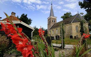 De kerk in Leons. beeld Marchje Andringa