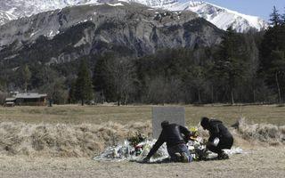 Kort geleden was er die afschuwelijke gebeurtenis met het vliegtuig van Germanwings. Wie denkt aan de nabestaanden van de mensen die daarbij zijn omgekomen, voelt iets trillen in z'n binnenste.  beeld EPA