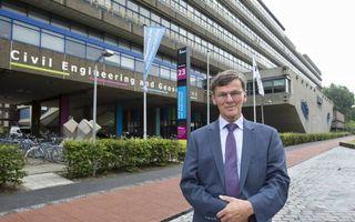 """Prof. dr. ir. Johan Blaauwendraad, oud-rector van de TU Delft: """"Ooit heb ik een collegahoogleraar naar de uitgang moeten leiden vanwege disfunctioneren. Daar werd ik niet vrolijk van, maar ik heb geprobeerd het zo gaaf mogelijk te doen."""" beeld RD, Anton D"""
