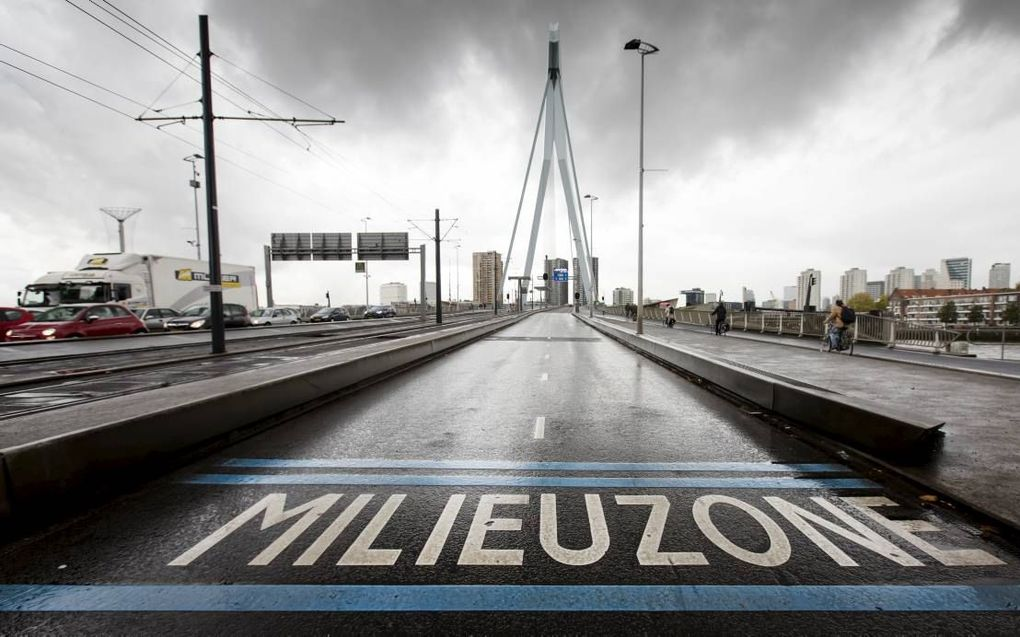 Emissiezones zetten in grote steden volgens de Belgische milieukundige Frans Fierens zoden aan de dijk. In steden die oude dieselauto's weren, is de luchtkwaliteit volgens Fierens meetbaar verbeterd. beeld ANP, Bart Maat