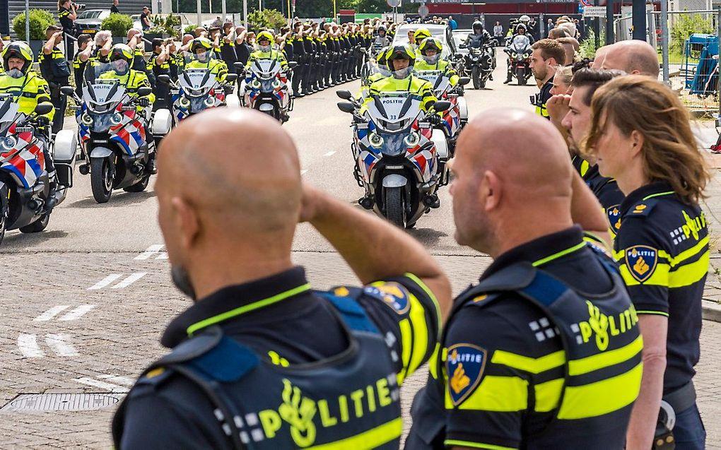 De uitvaart van motoragent De Korte. beeld ANP, Lex van Lieshout