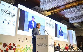 Koning Willem-Alexander houdt dinsdagochtend in New Delhi een toespraak tijdens de 25e editie van de India Tech Summit. beeld ANP