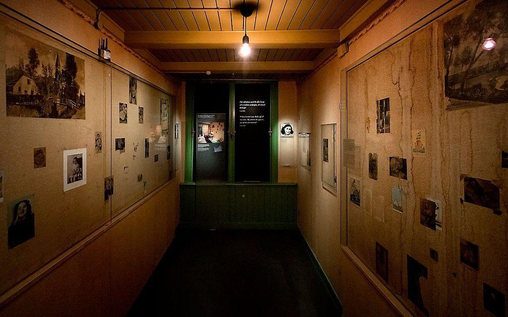 De kamer van Anne Frank in het Achterhuis. beeld ANP, Koen van Weel