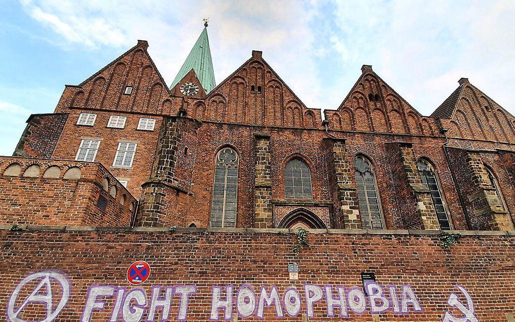 Meermalen werd de Sint-Martinikerk in Bremen, waar ds. Latzel voorgaat, inmiddels besmeurd. beeld epd-bild, Dieter Sell