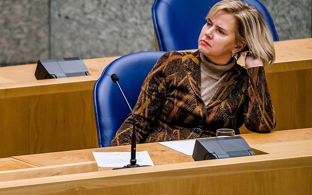 Minister Cora van Nieuwenhuizen van Infrastructuur is boos over de drukte op Schiphol. beeld ANP, Bart Maat
