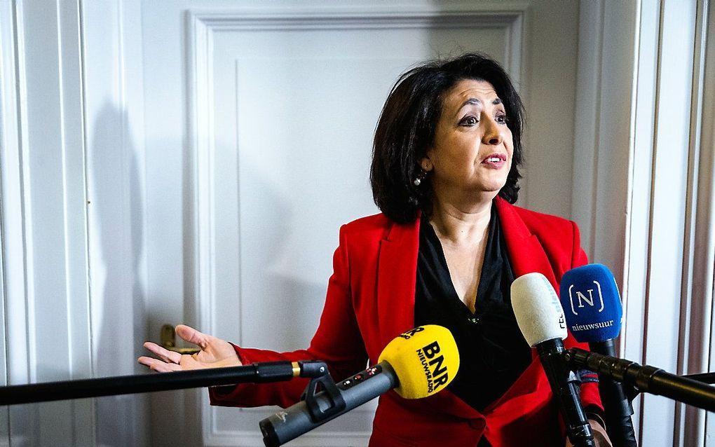 Khadija Arib (PvdA) reageert in de Tweede Kamer op het vertrek van Lodewijk Asscher als lijsttrekker van de PvdA. beeld ANP, Sem van der Wal