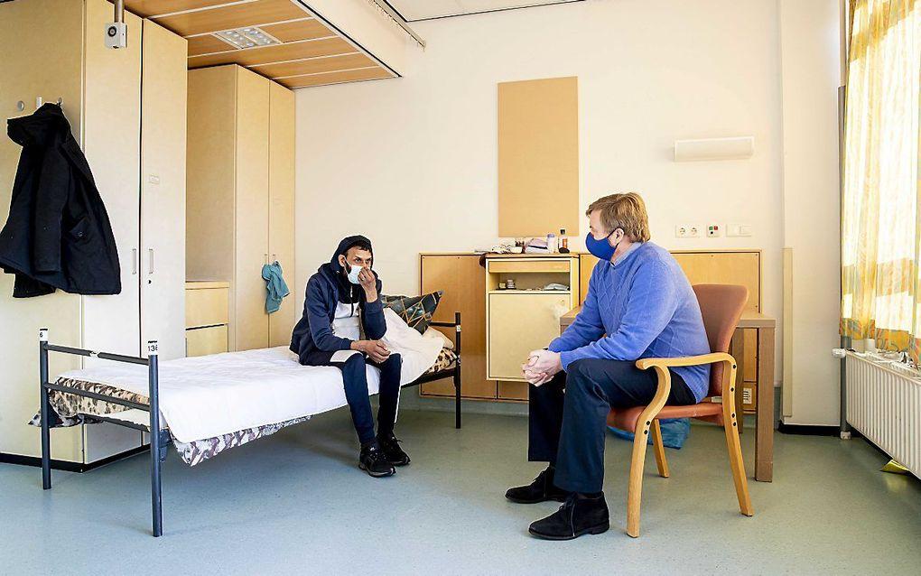 Binnenland Dakloze vraagt koning Willem-Alexander wat zijn bezoek 'schuift' - Reformatorisch Dagblad