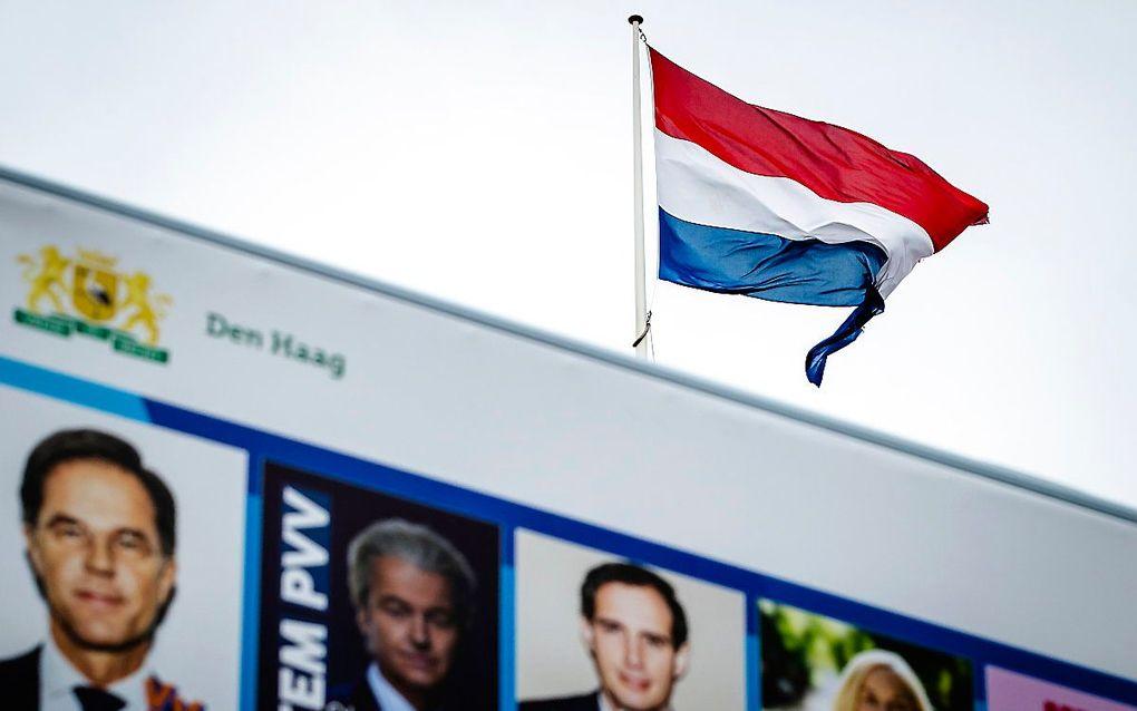 Politieke partijen hengelen naar de kiezersgunst. beeld ANP, Sem van der Wal