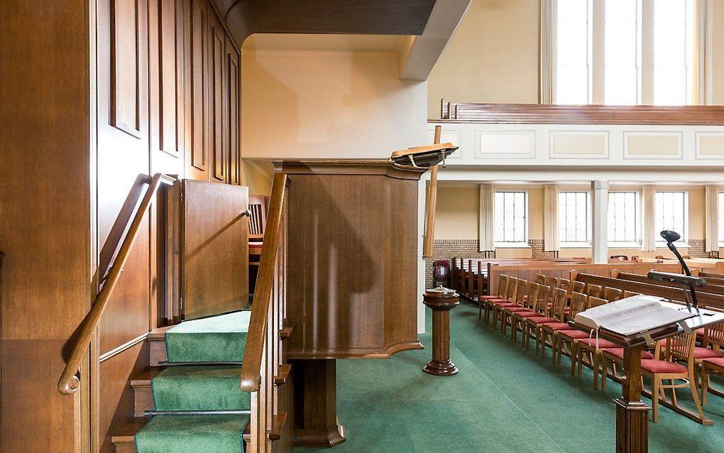 De kansel van de gereformeerde gemeente in Kampen. beeld Sjaak Verboom
