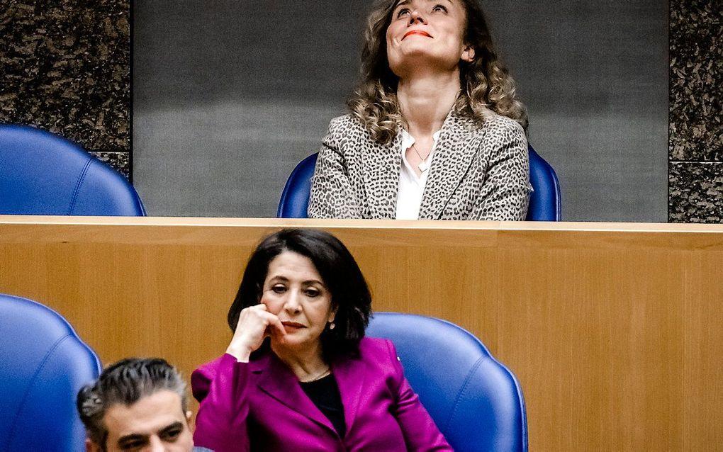 De nieuwe Kamervoorzitter, D66'er Vera Bergkamp. Voor haar PvdA'er Khadija Arib, die het tegen Bergkamp moest afleggen bij de voorzittersverkiezing. beeld ANP, Remko de Waal