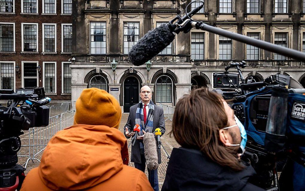 Gert-Jan Segers (ChristenUnie) staat de pers te woord na afloop van een gesprek met informateur Herman Tjeenk Willink. beeld ANP, Remko de Waal