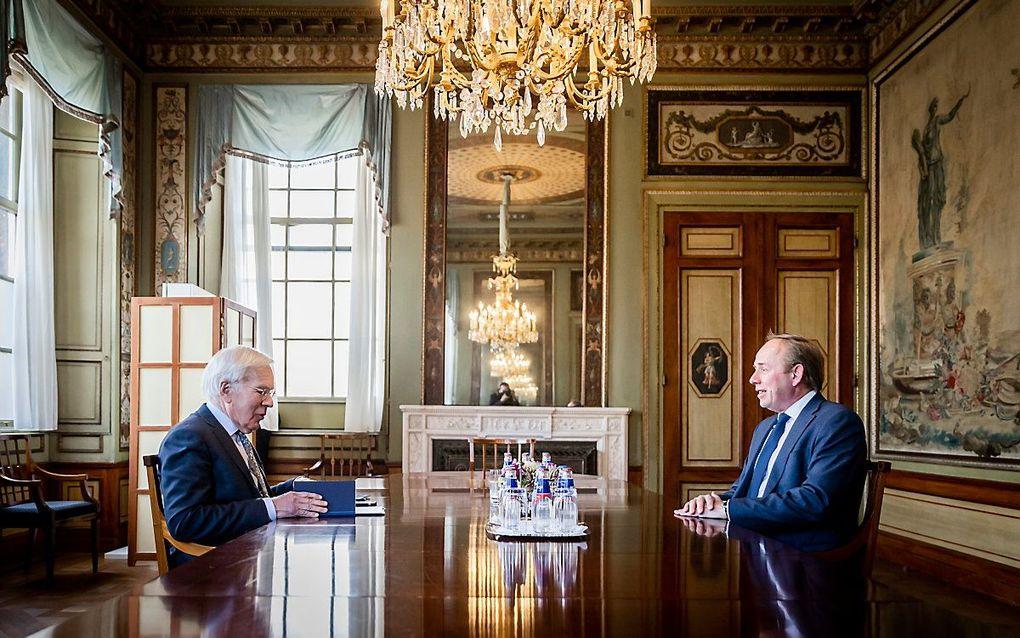SGP-voorman Kees van der Staaij op bezoek bij informateur Herman Tjeenk Willink. beeld ANP, Remko de Waal