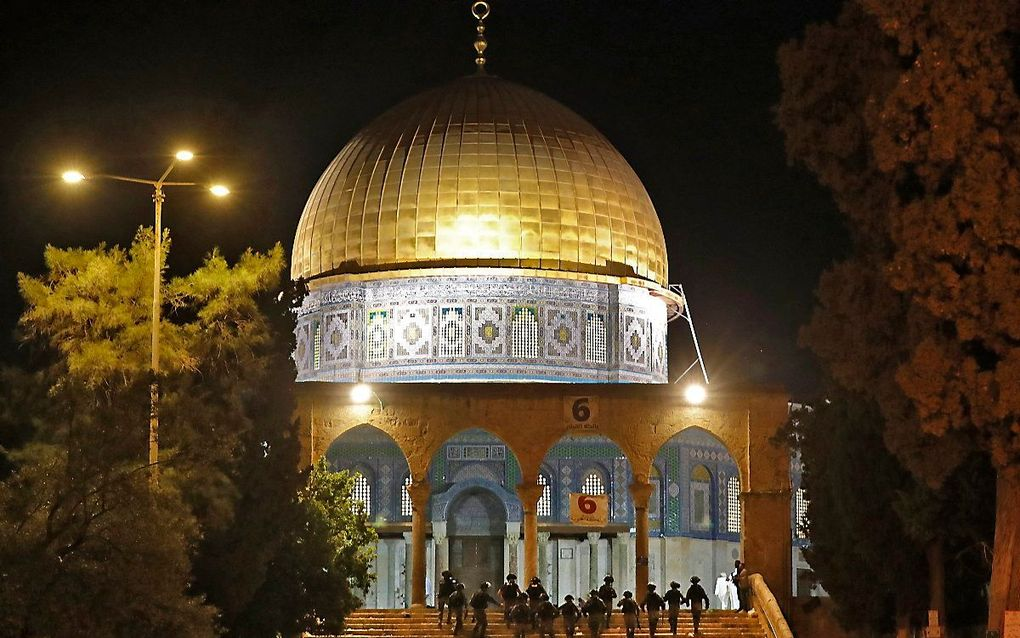 Onrust in Jeruzalem, vrijdagnacht. beeld AFP, Ahmad GHARABLI