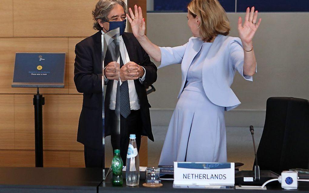Demissionair minister Cora van Nieuwenhuizen was dinsdag nog in Lissabon bij een bijeenkomst van Europese ministers over de zogeheten blauwe economie. beeld EPA, Antonio Pedro Santos