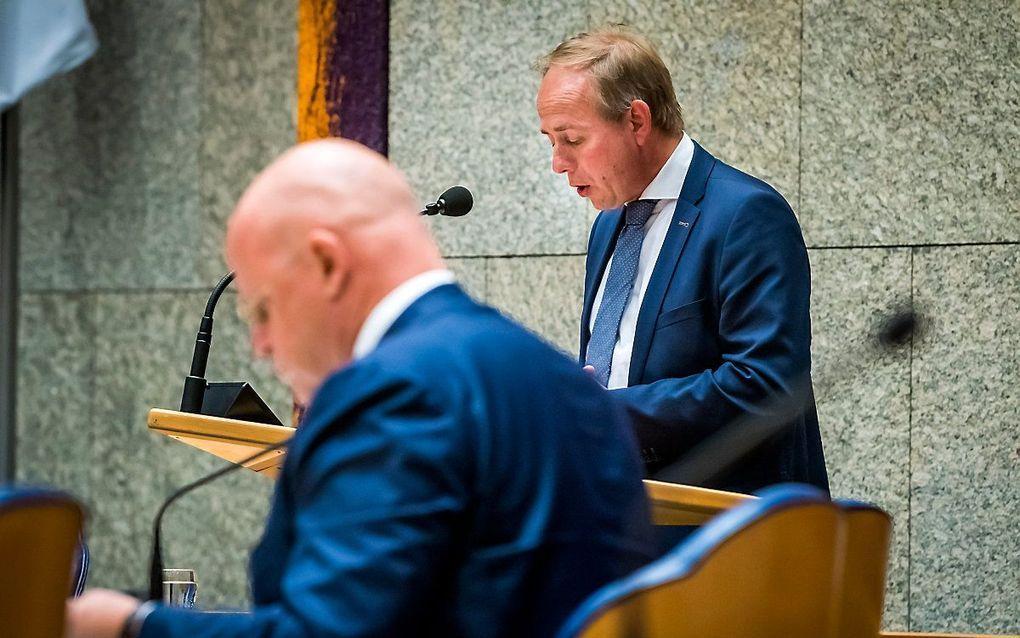 Justitieminister Grapperhaus (l.) en SGP-voorman Van der Staaij. beeld ANP, Lex van Lieshout