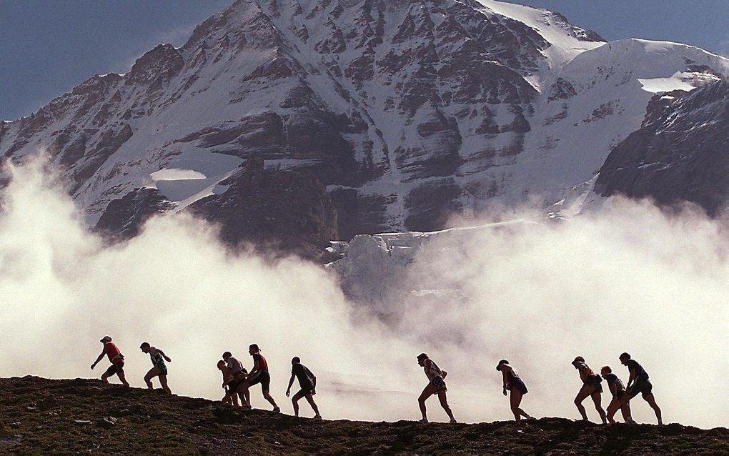 Het gaat nog weleens mis in de bergen. Eurocross biedt dan op afstand hulp. beeld Keystone, Alessandro della Valle