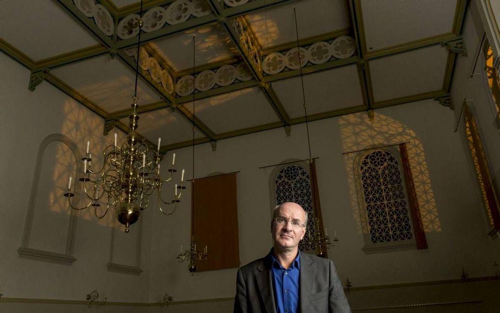 Jos Douma in de Plantagekerk in Zwolle, waar hij predikant is. beeld Sjaak Verboom