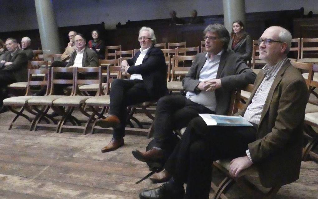 """AMSTERDAM. Presentatie van """"Nieuwe maren – Amsterdam 1534-1535"""". V.r.n.l. prof. dr. W. J. W. Burgers, dr. P. Knevel en prof. dr. P. Visser.beeld RD"""