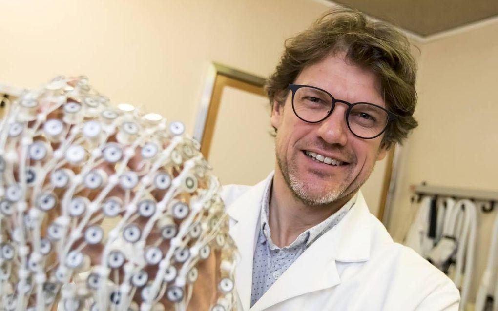 Binnen de Coma Science Group van prof. Steven Laureys werken medici en ingenieurs nauw samen. beeld Jean Pierre Geussens