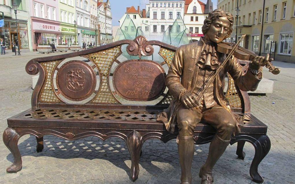 Telemann werkte van 1705 tot 1708 als hofkapelmeester in Sorau, tegenwoordig Zary geheten. De Poolse stad eert hem met een standbeeld. Diverse composities van Telemann bevatten elementen uit de Poolse volksmuziek.  beeld Telemann2017.eu