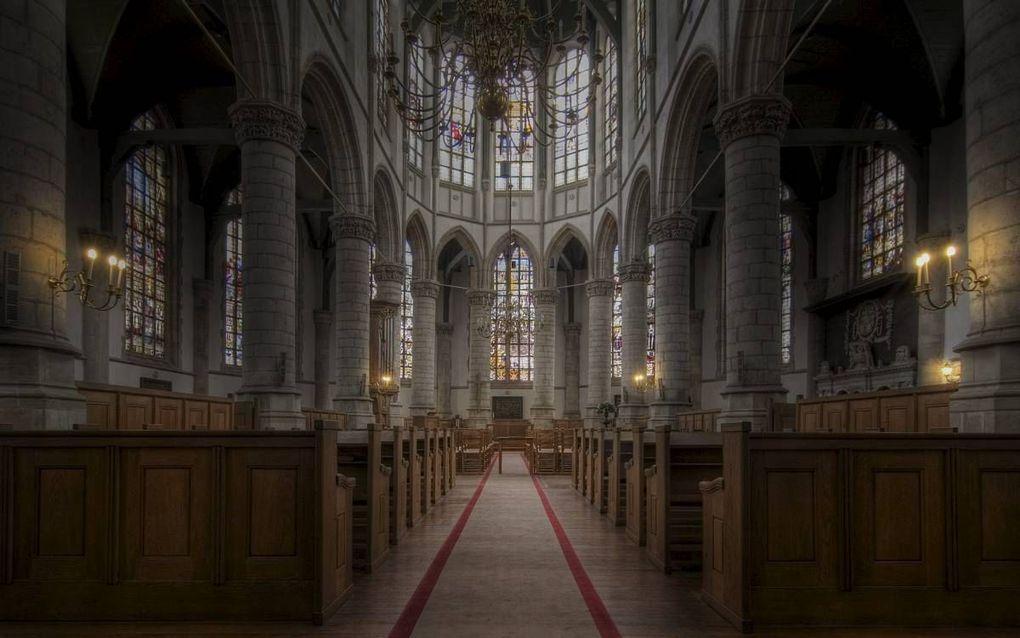 """""""In mei van dit jaar werd in de Sint Janskerk in Gouda een herdenkingsbijeenkomst gehouden waarin de vrijheid van het onderwijs centraal stond. De opkomst? Nauwelijks 250 belangstellenden."""" beeld Wikimedia"""