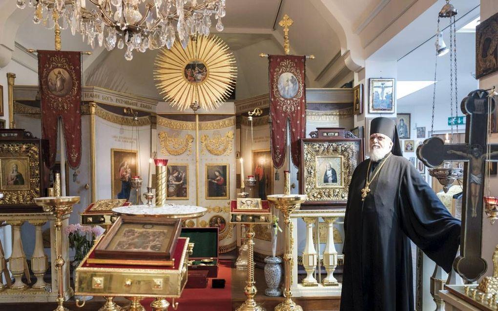 Vader Nikon is al 34 jaar verbonden aan de Russisch-orthodoxe kerk in Den Haag. beeld Sjaak Verboom