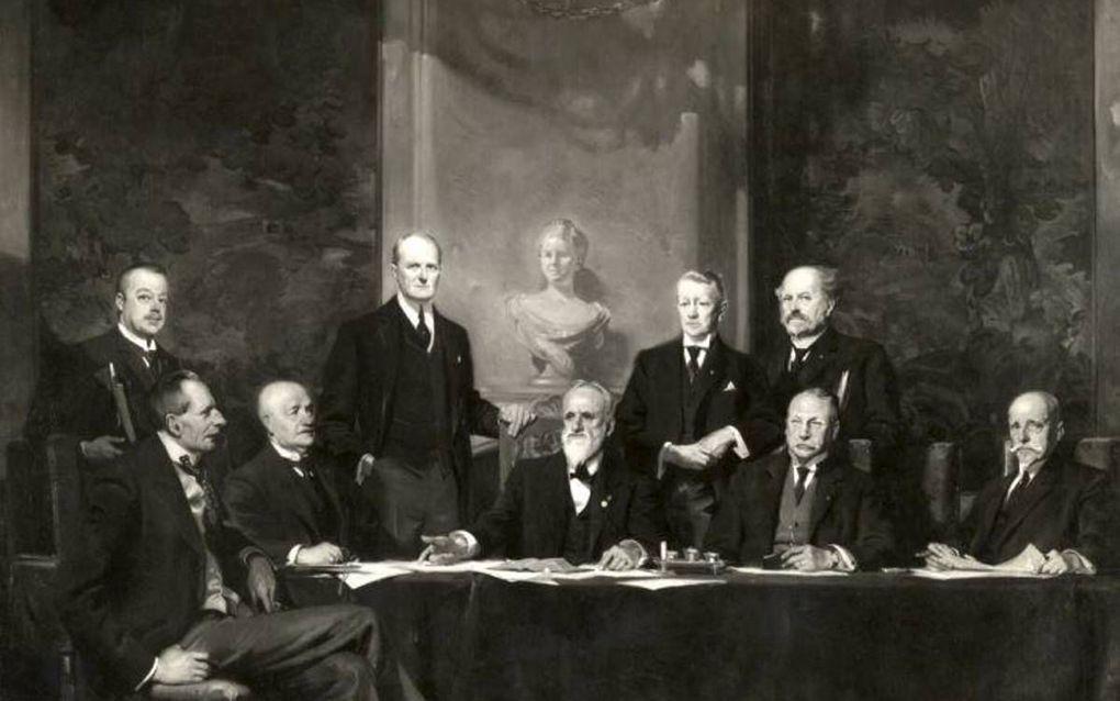 Het kabinet-Van der Linden. beeld via Wikimedia