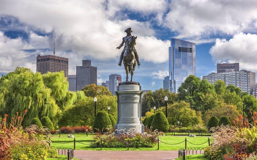 """""""De Amerikaanse president George Washington schreef de Joden van Newport dat alle burgers vrijheid van geweten bezaten en door burgerlijke rechten en vrijheden gelijkelijk werden beschermd."""" Foto: standbeeld van president Washington in de Amerikaanse stad"""