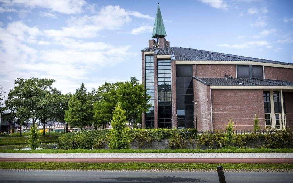 De synode van de Gereformeerde Gemeenten in Nederland (GGiN) kwam woensdag bijeen in het kerkgebouw De Hoeksteen in Barneveld. beeld ANP, Rob Engelaar
