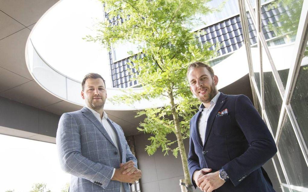 """Rick Bouter (links) en Martin Aarnoudse willen een denktank oprichten om een christelijke visie te ontwikkelen op nieuwe technologie. """"We denken dat we rationele keuzes maken, maar we worden gemanipuleerd."""" beeld RD, Anton Dommerholt"""