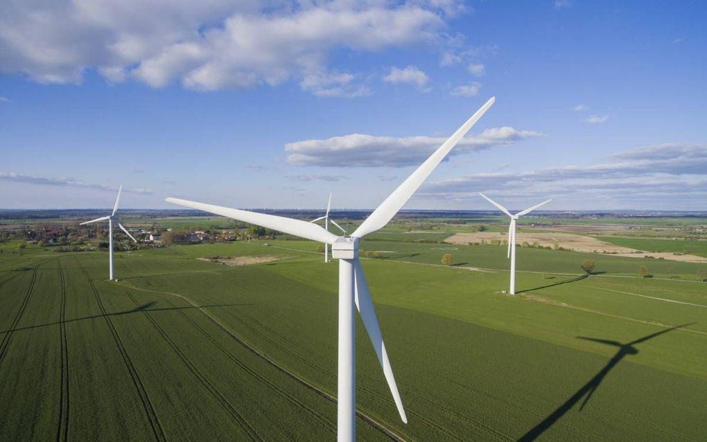"""""""We moeten eindelijk ook eens gaan toegeven dat zon en wind in de toekomst nooit onze totale energiebehoefte kunnen vervullen."""" beeld iStock"""