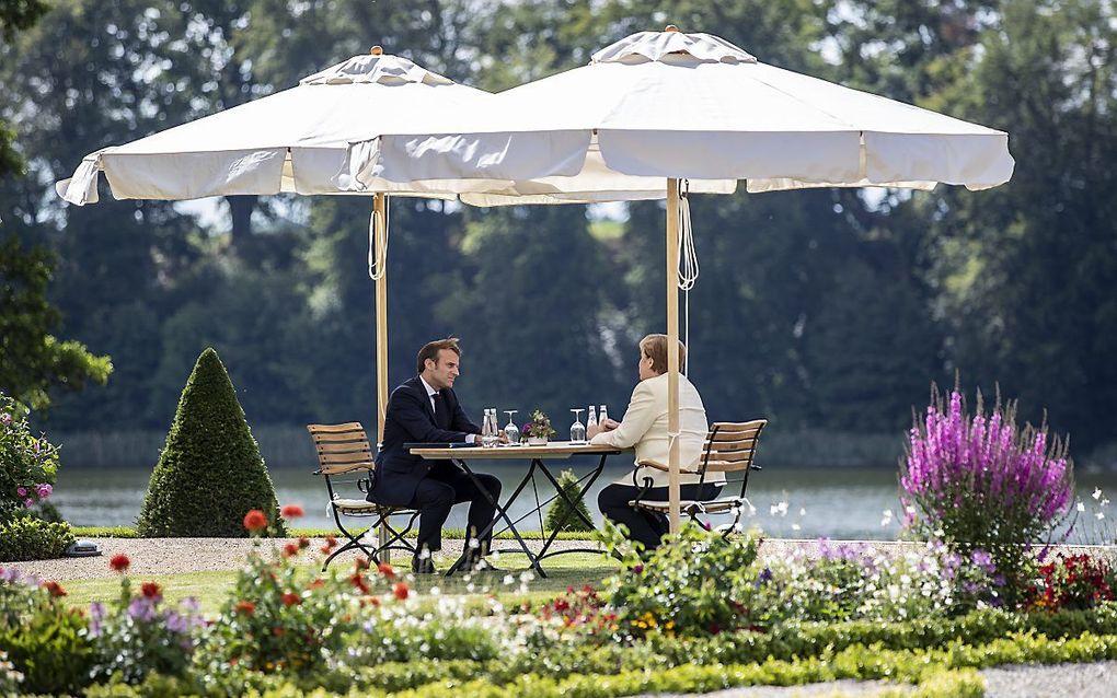 Macron en Merkel in het Oost-Duitse Meseberg. beeld EPA