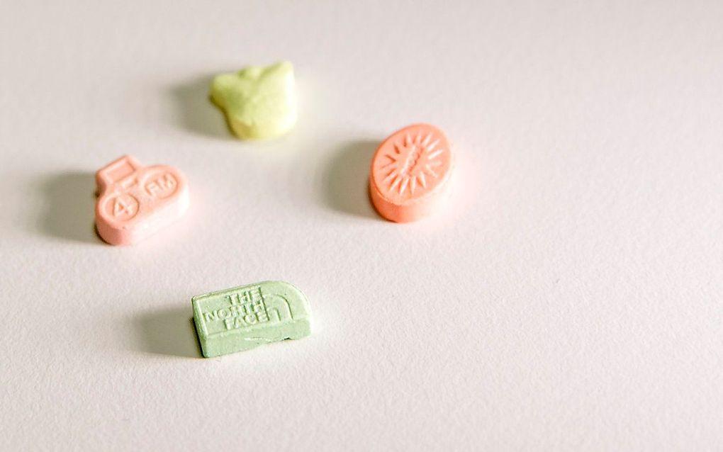 Vier pillen van de amfetamine 4-FA. beeld ANP