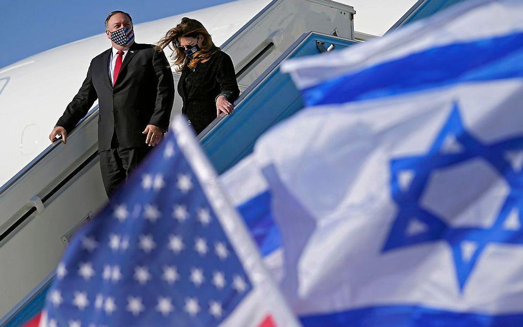 Pompeo en zijn vrouw komen aan in Tel Aviv. beeld AFP, Patrick Semansky