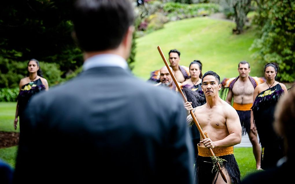 Premier Mark Rutte krijgt een traditionele Maori welkomstceremonie bij aankomst bij het Government House. Rutte brengt een tweedaags bezoek aan Nieuw-Zeeland. beeld ANP