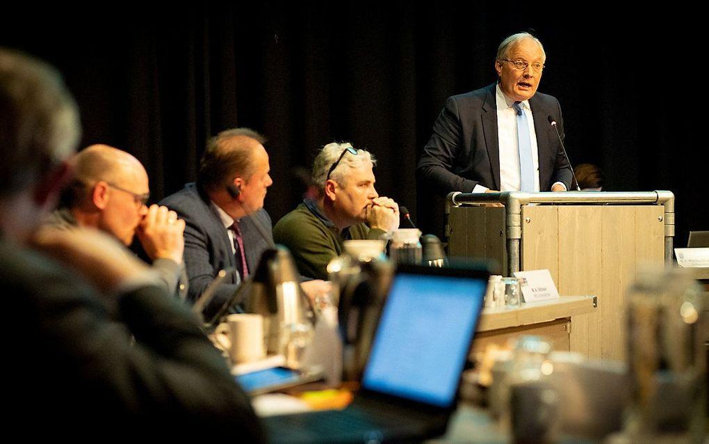 Raadsvergadering Scherpenzeel over fusie met Barneveld. Inspreker ds. H. van Ginkel. beeld Niek Stam