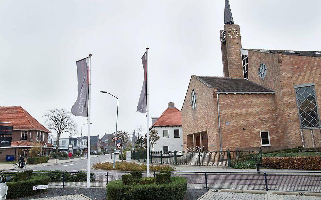 Onder meer in Opheusden (gemeente Neder-Betuwe) trekt de coronacrisis diepe sporen. beeld RD, Anton Dommerholt
