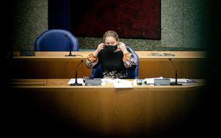Minister Carola Schouten van Landbouw in de Kamer tijdens de behandeling van de nieuwe stikstofwet. beeld ANP, Sem van der Wal