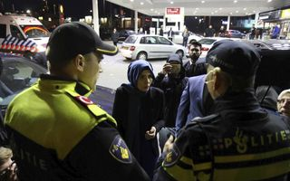 De Turkse minister Kaya veroorzaakte zaterdag een rel door ongewenst naar Rotterdam te komen. beeld ANP