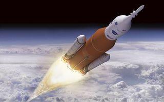 Een raket zoals die nu in gebruik is voor de ruimtevaart is ongeschikt om te kunnen reizen naar andere planeten. De hoeveelheid brandstof die mee moet maakt de raket te zwaar. beeld Boeing